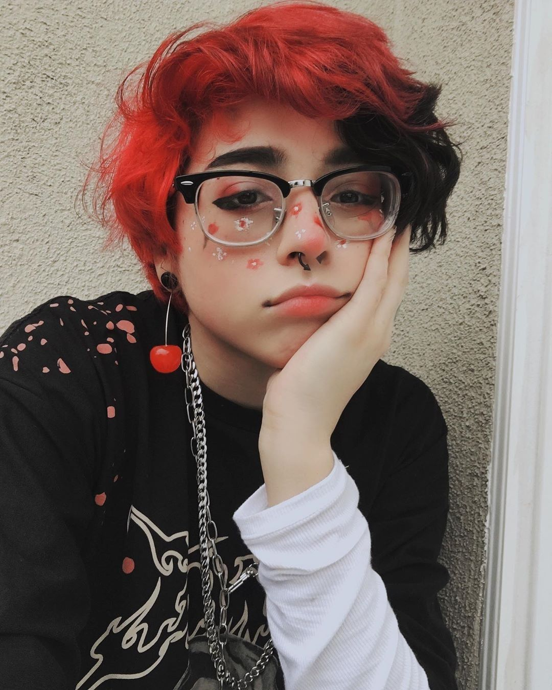 Pin By Soap On Kaiisyourhomie In 2020 Split Dyed Hair Emo Boy Hair Cute Hairstyles For Short Hair