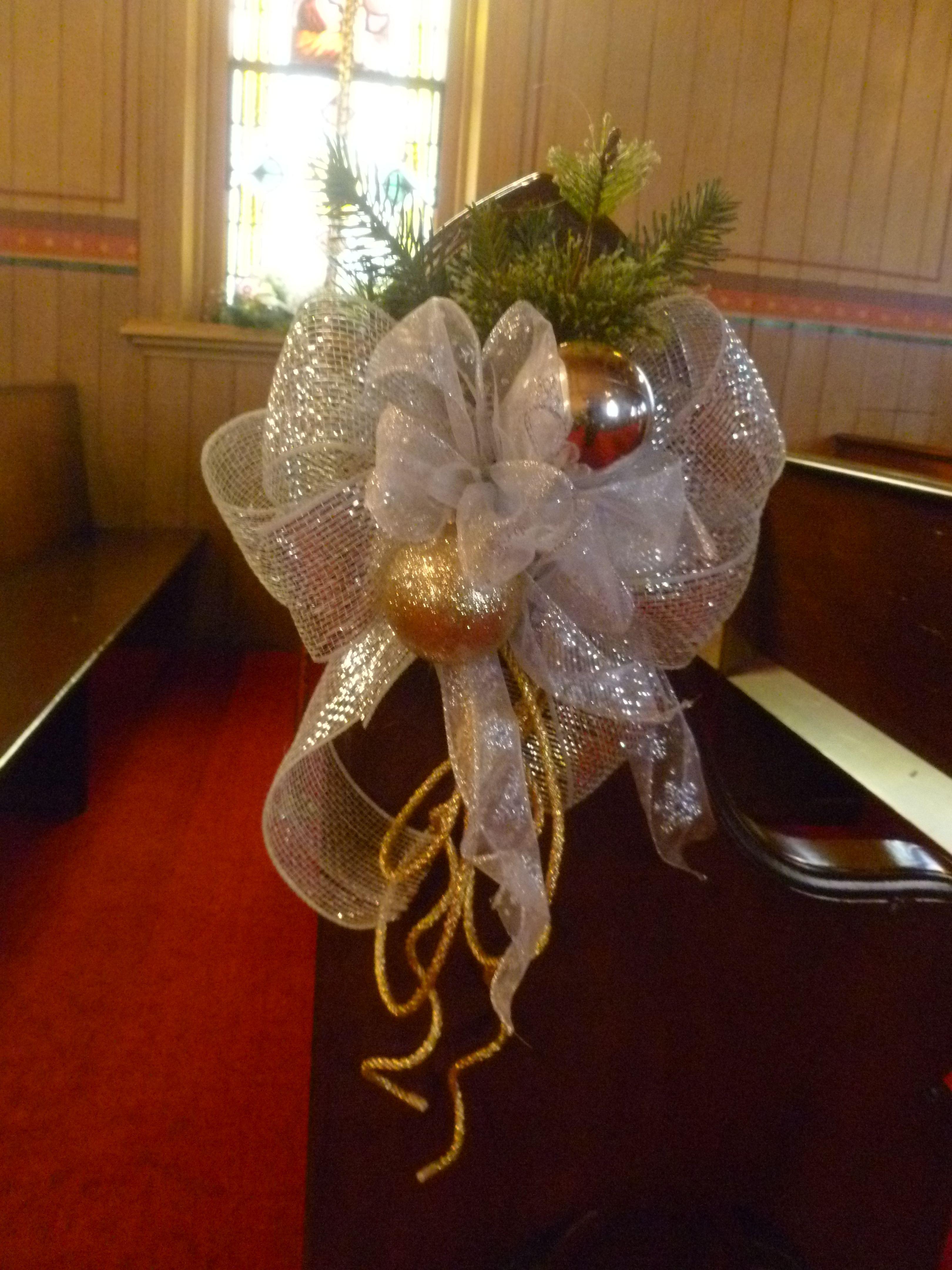 Naper Settlement Century Chapel Pew Decoration For Christmas