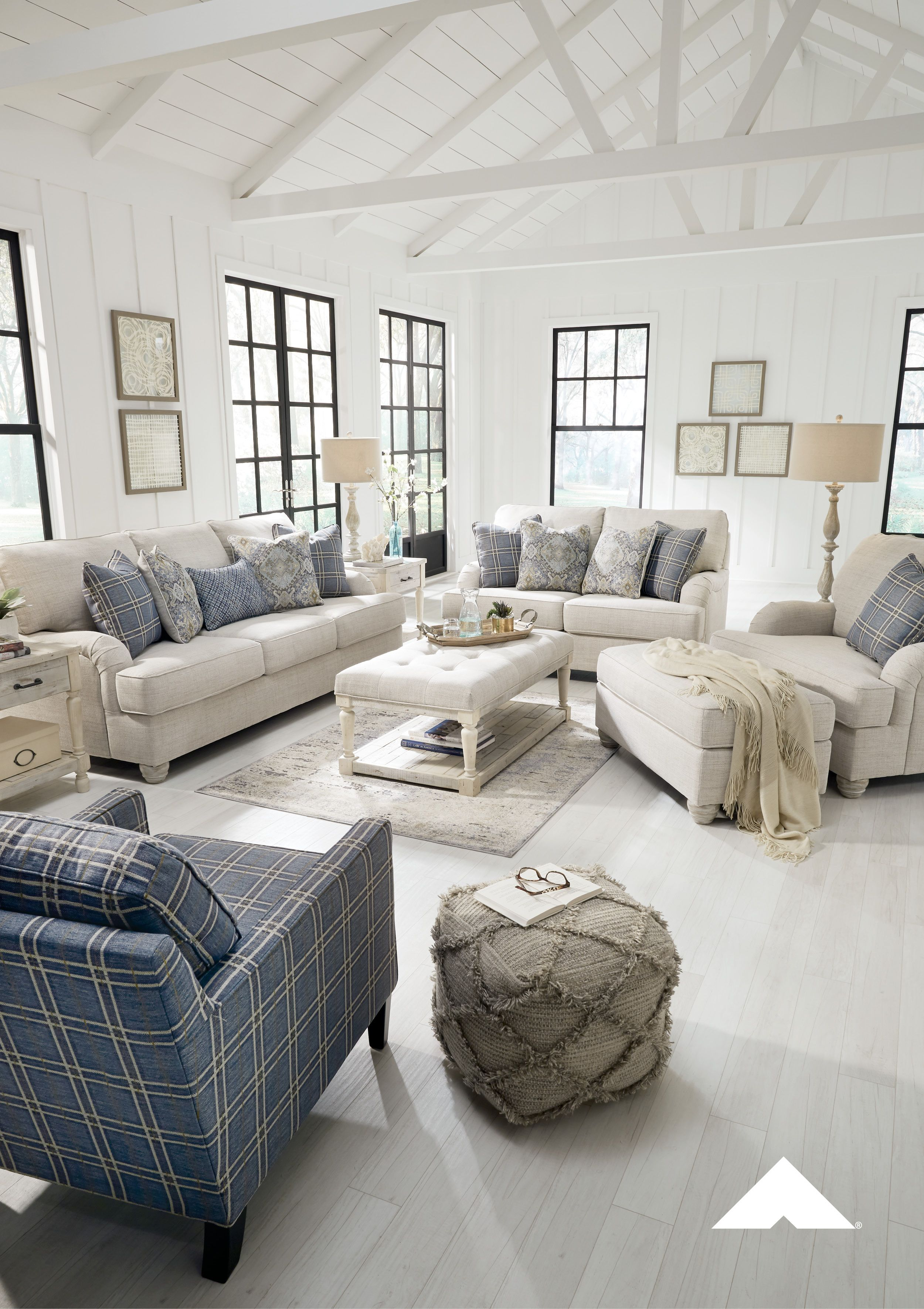 Pastoral Charm Living Room By Ashley Furniture Farmhouse Farmhousestyle Livingroom Livingroomdesign Interiordesign Coastal Living Rooms Home Home Decor