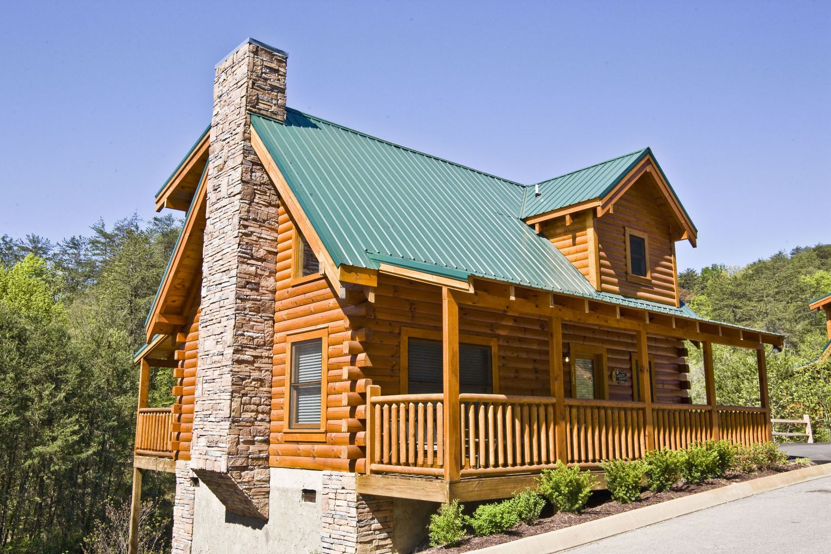 4 Of Our Best 1 Bedroom Cabins In Pigeon Forge Tn For A Romantic Getaway Pigeon Forge Cabins Cabin Resort Cabins