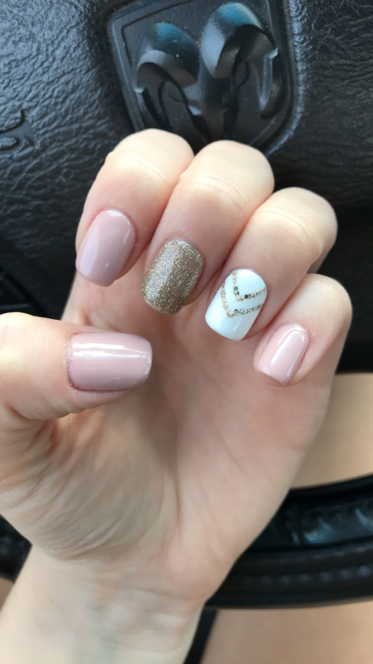 Pink Nails Gold Nail And White Nail With Gold Chevron Pinterest Catherinesullivan2017 Gold Acrylic Nails Gold Nails White Nails With Gold