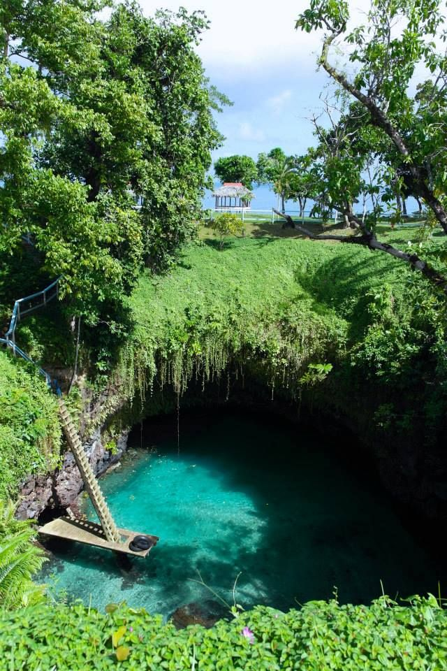 To Sua Ocean Trench, Upolu, Samoa http://reversehomesickness.com/oceania/sua-trench-samoa/ #sua #samoa