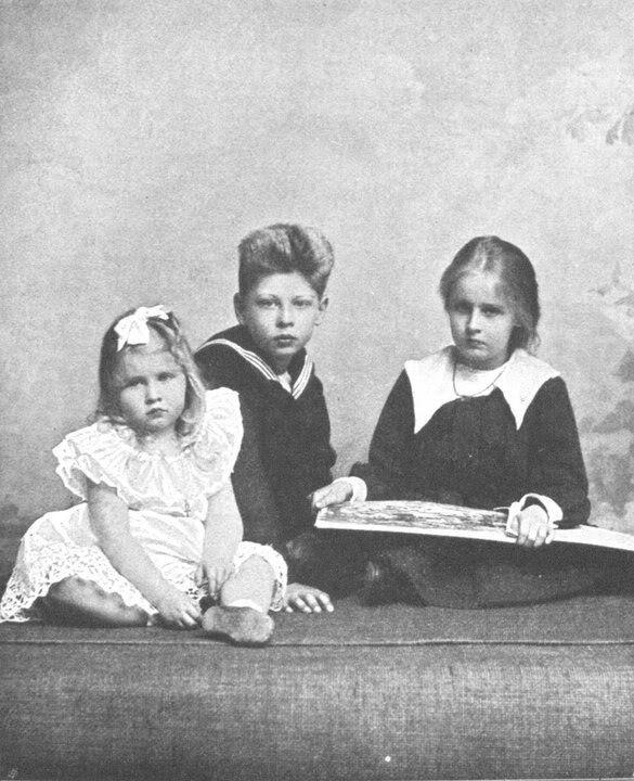 Elisabeth with Carol and Mignon of Romania