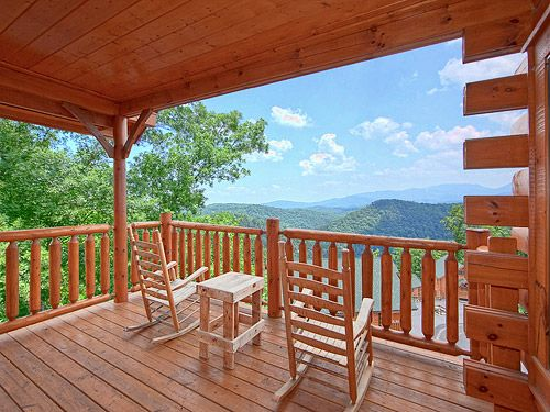 Official site for Above and Beyond cabin in Pigeon Forge. Book online and get over $400 in Trip Cash attraction tickets FREE.