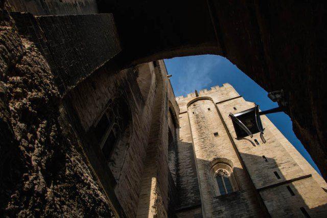 Avignone: intrighi e potere nella Francia meridionale http://nonsoloturisti.it/2015/07/avignone-provenza-francia/?utm_content=buffercfca7&utm_medium=social&utm_source=pinterest.com&utm_campaign=buffer AtoutfranceIT