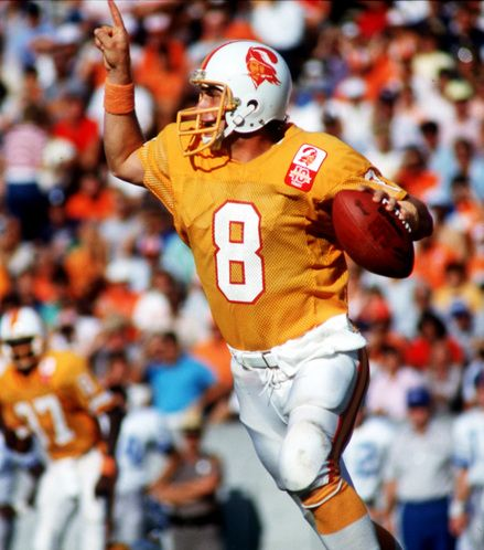 Before Qb Steve Young Wore A 9ers Jersey He Was A Buc Nfl Uniforms Nfl Football Players Tampa Bay Buccaneers Logo
