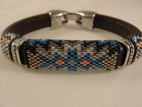 Peyote Beadwoven Licorice Leather Bracelet | Armbänder, Perlenkette ...