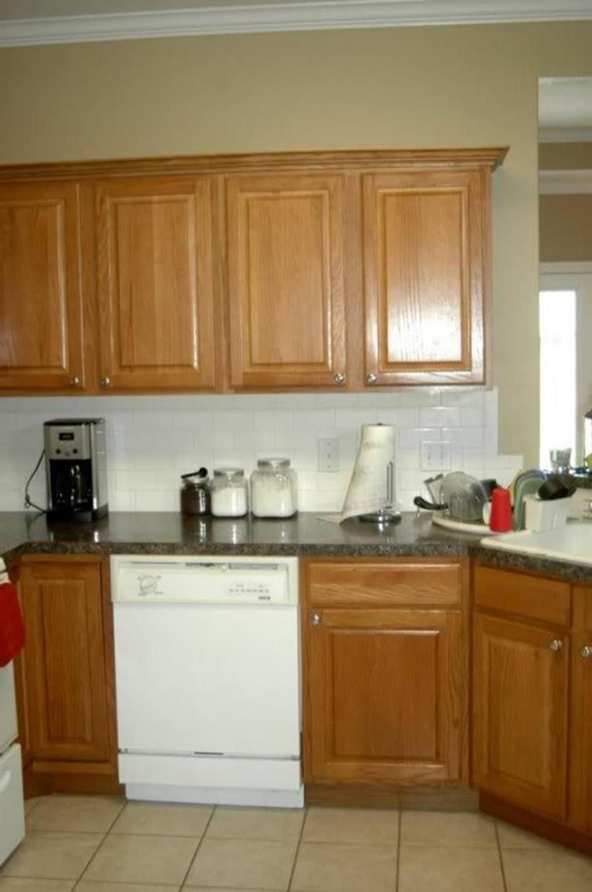 20 Perfect Kitchen Wall Colors with Oak Cabinets for 2019 #honeyoakcabinets 20 Perfect Kitchen Wall Colors with Oak Cabinets for 2019 6 #honeyoakcabinets 20 Perfect Kitchen Wall Colors with Oak Cabinets for 2019 #honeyoakcabinets 20 Perfect Kitchen Wall Colors with Oak Cabinets for 2019 6 #honeyoakcabinets