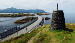 The Atlantic Road is one of the most scenic roads in Norway, and is very popular among visitors to the Nordmøre and Romsdal area - Photo: Johan Wildhagen