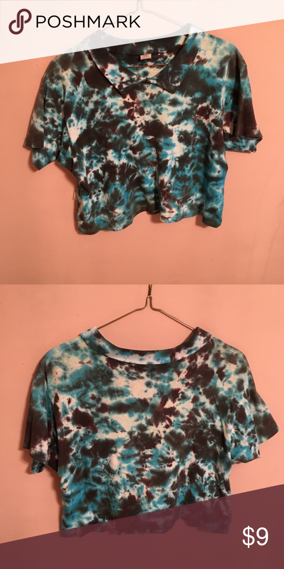 1ca2675da15 Gee jay tie dye crop top Short sleeved tie dye crop top with collar. Shades  of blue black and white. Size says teens 14 but I wore it as a 110 lb ...