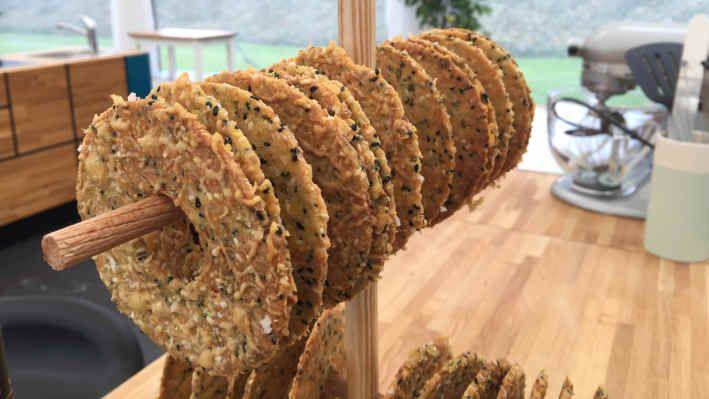 Tapas-knækbrød - opskrift | Den store bagedyst | Mad | DR #tapasideer