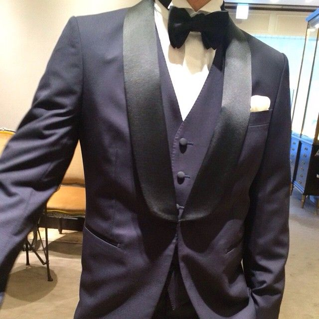 c482964f1d711 新郎衣裳① . 挙式用のネイビー . やっぱりトリートは男性衣裳もカッコ ...