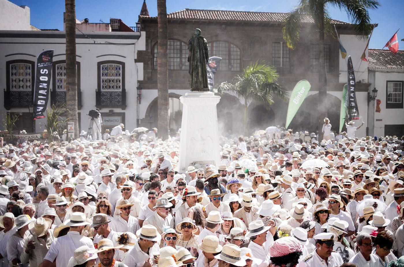 Grupo Mascarada Carnaval Cs Quiere Un Debate Sobre El Futuro De Los Indiano Carnaval Isla De La Palma Turistico