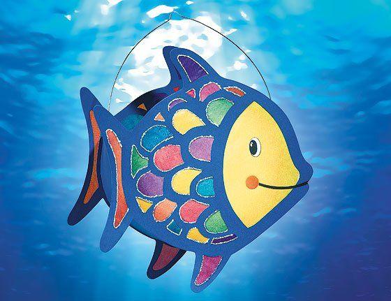 Fisch-Laterne basteln | familie.de #laternebastelnkinder