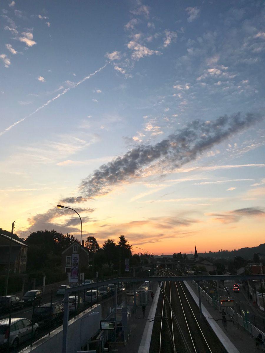 #paris #morning #blueskies #cloud #light #love #tbt #instamoment #photo #photography #nofilter #color