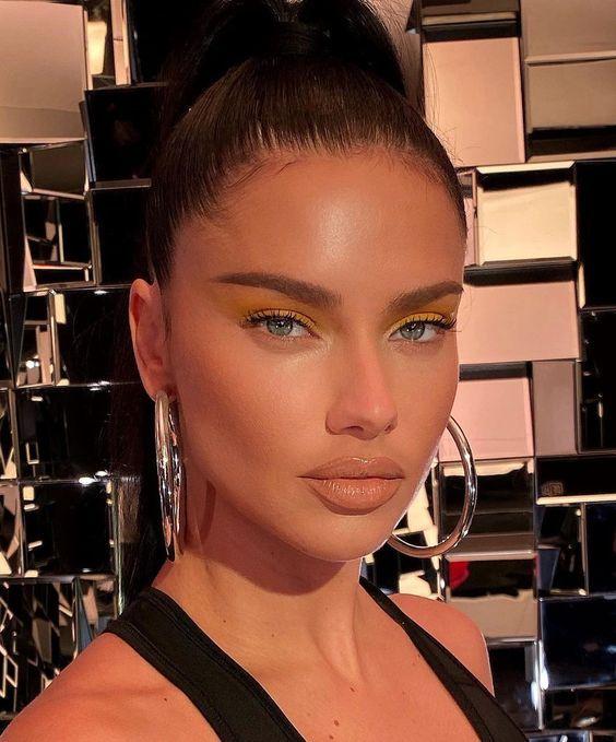 Maquillaje que valora a las morenas  – Maquillaje