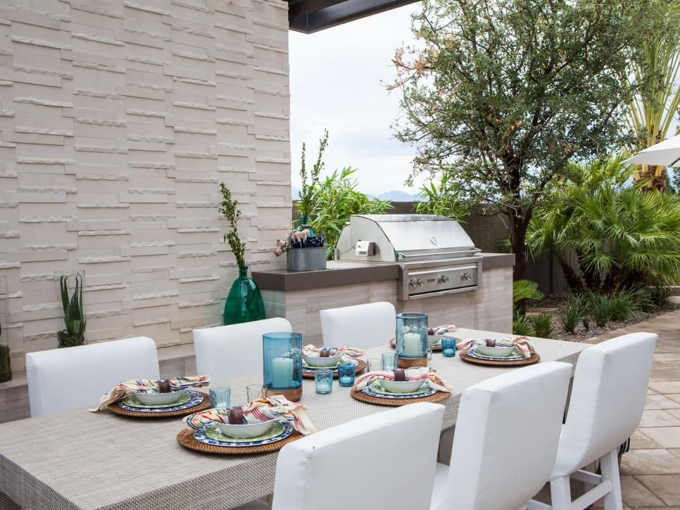 Drew and Jonathan Scott turned the backyard of their Las ...