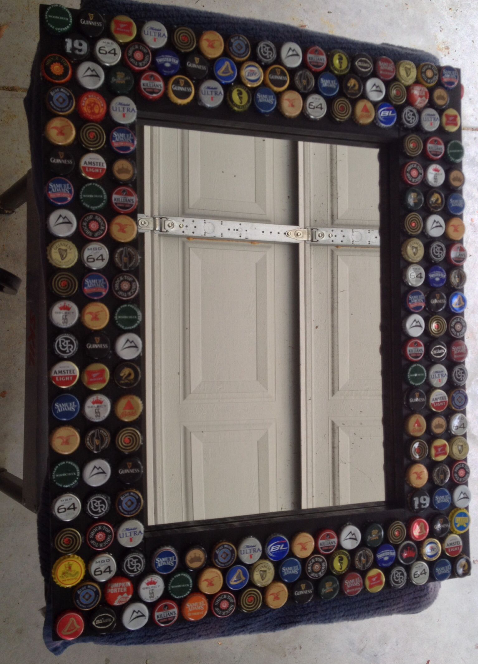 Beer bottle cap mirror | Beer bottle cap ideas, Beer bottle crafts, Bottle  cap crafts