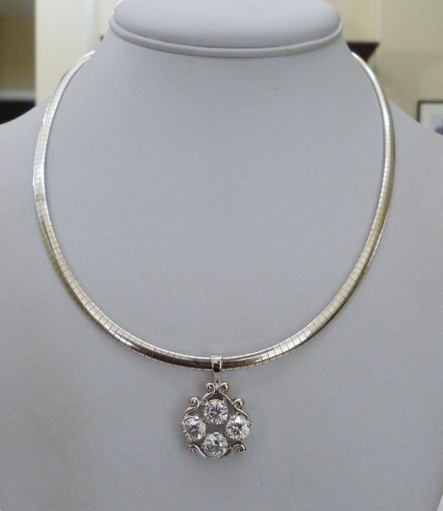 ITALY STERLING SILVER SMOOTH OMEGA CHAIN NECKLACE 4 CTW SPARKLING SS CZ PENDANT
