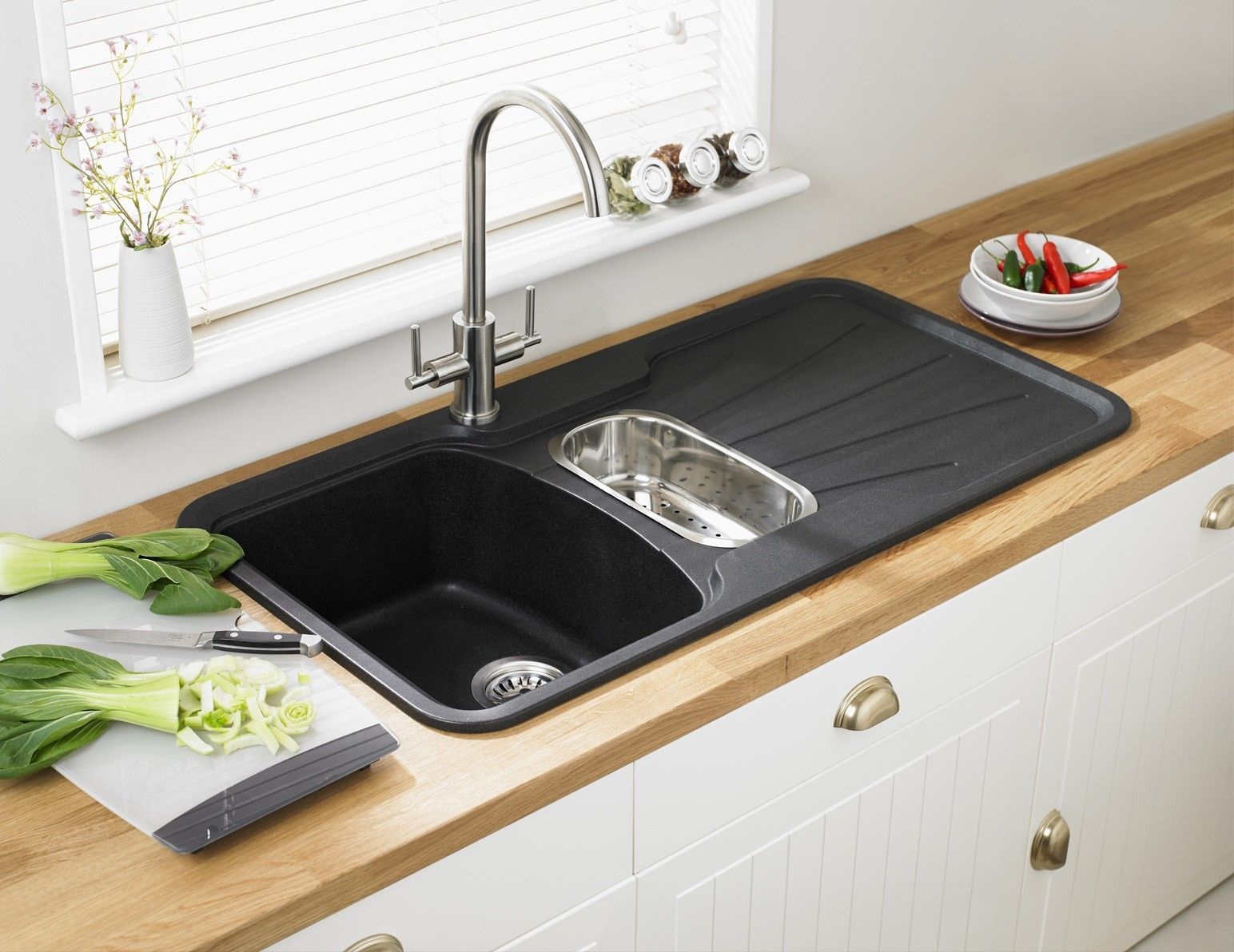 Korona 1 5 Bowl Composite Kitchen Sink By Astracast Best Kitchen Sinks Composite Kitchen Sinks Kitchen Sink Drainboard