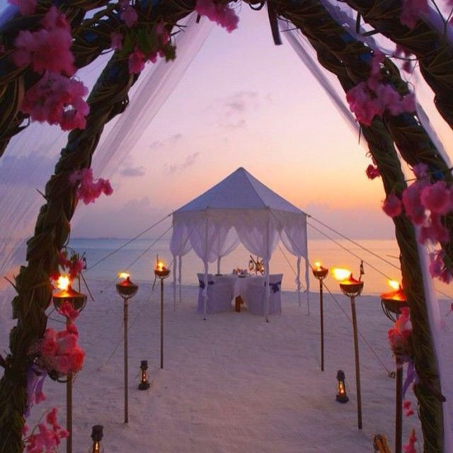 """Like if you want to get married here #ladyluxury"""