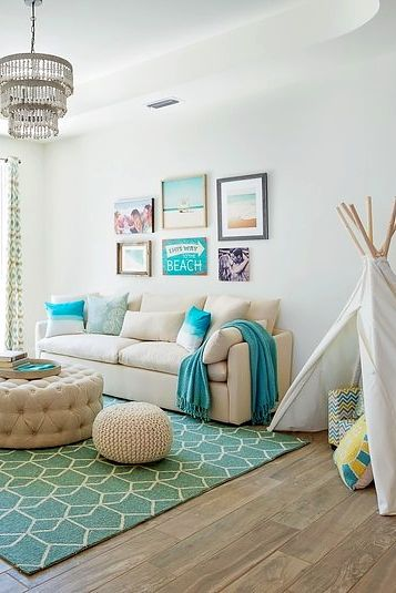 Jessie james decker s beach house is decorating goals in - Beach themed living room decorating ideas ...