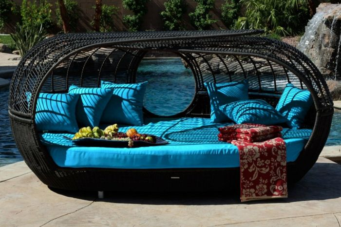 rattan liege f r den garten oder f r den pool dachterrasse. Black Bedroom Furniture Sets. Home Design Ideas