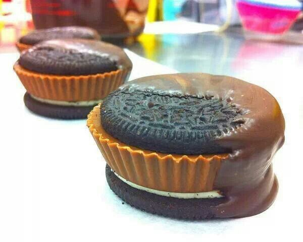 Chocolate dipped Oreo & Reese's Peanut Butter Cup sandwich ♥