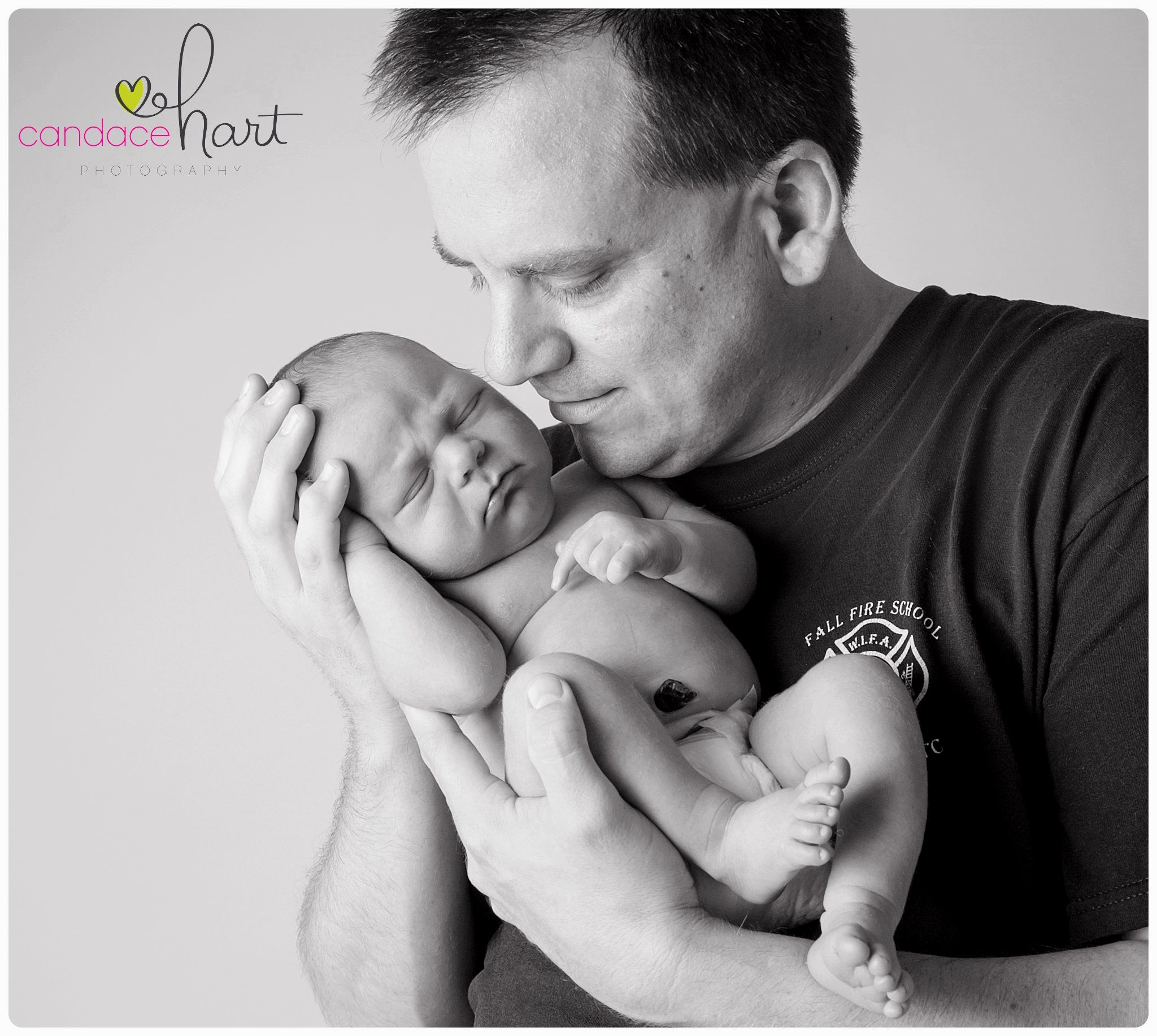 Newborn session with photographer candace hart photography