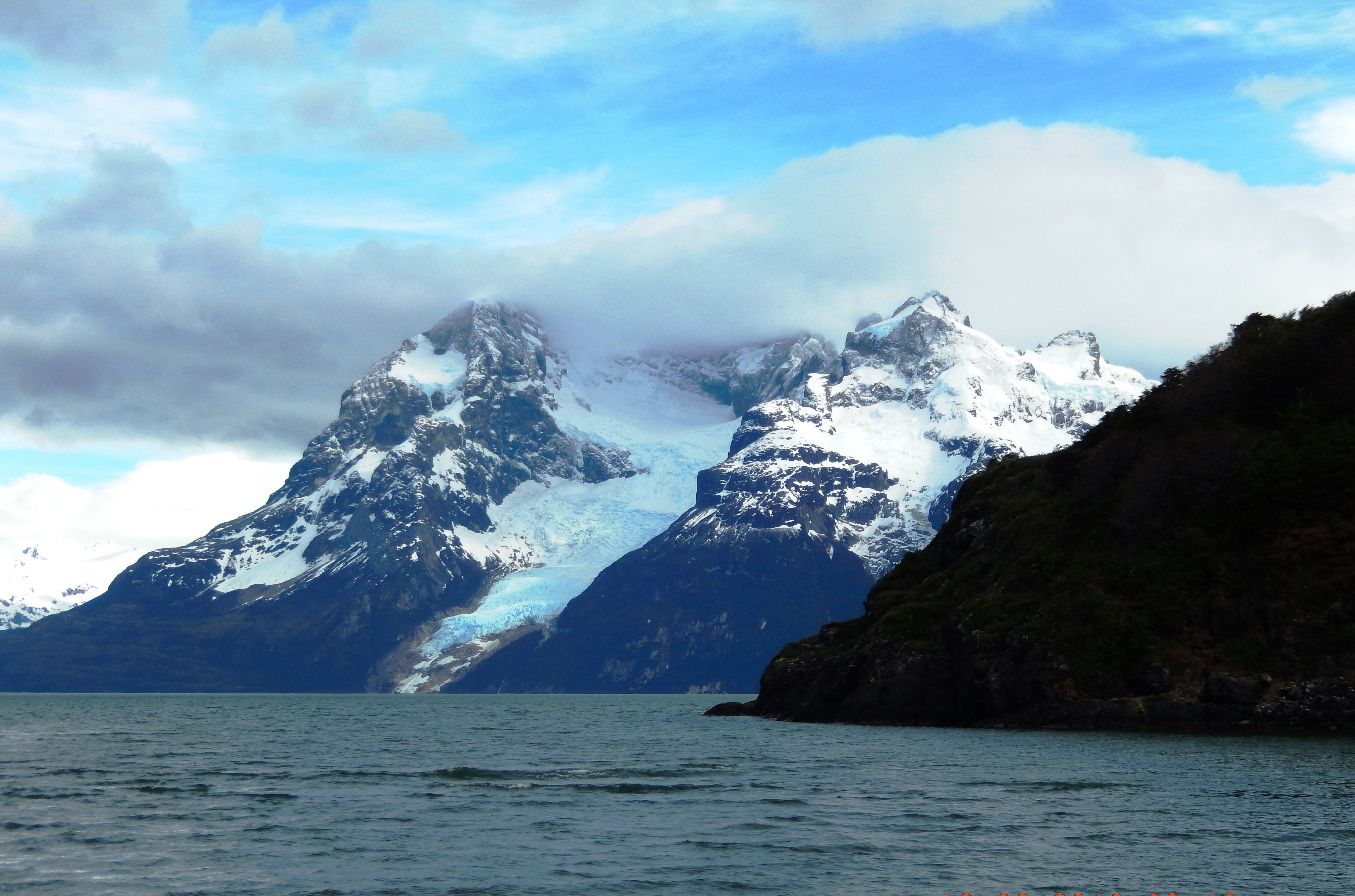 Lakes Mountains Glaciers Patagonia Chile Www Islanddreamstvl