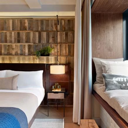 I Can Feel The Textures Of Nature With My Eyes Wonderful Biophilic Design In A Hotel Room Cen Hospital Interior Design Boutique Hotels New York Central Park