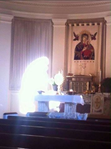 An apparition of Mother Mary was caught on cam! Unbelievable!   Extreme Readers