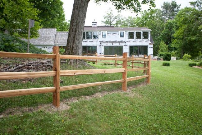 Split Rail Fence With Wire Mesh For Dog Building A Fence Backyard Fences Fence Design