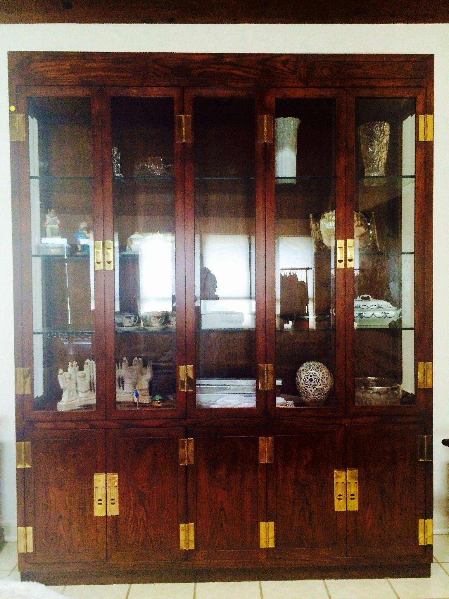 Henredon China Cabinet With Working Lighting: Four Glass Doors On 4 Panel  Drawers Outfitted To Hold Linens Or Silver