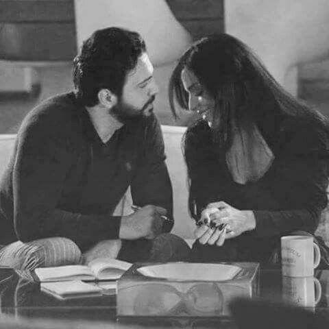 يمكننا أن نملك كافة وسائل الاتصال في العالم ولكن لا شيء لا شيء أبدا يعادل نظرة الإنسان Rafi Photo Scenes Couple Photos