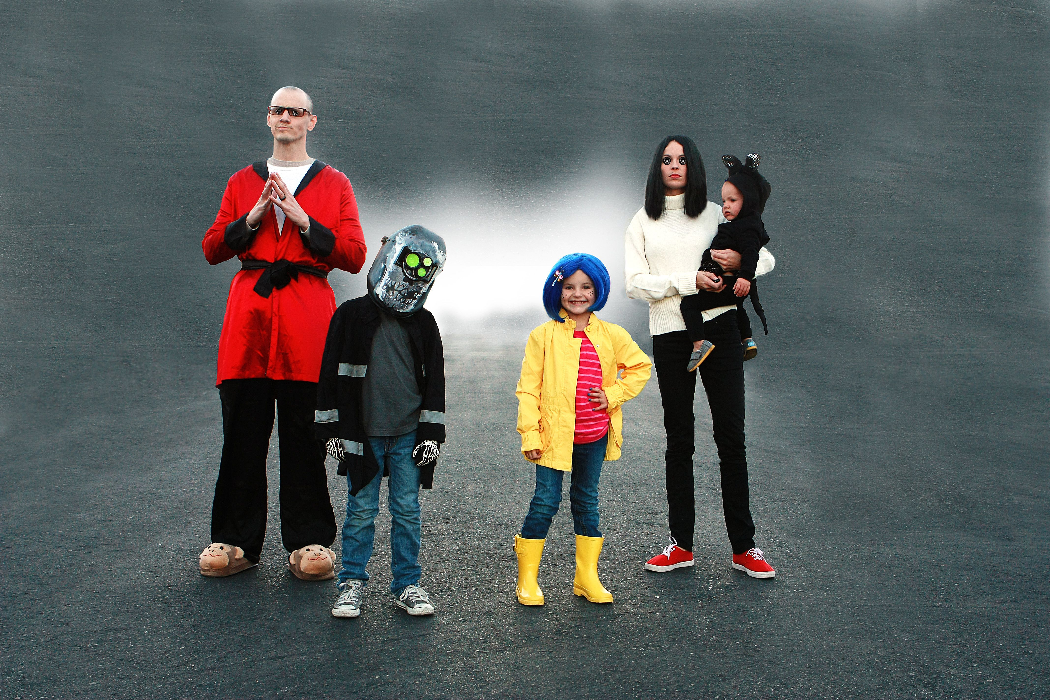 Pin By Liz Anderson On Werewolf Batmitzvah Family Costumes Family Halloween Costumes Family Halloween