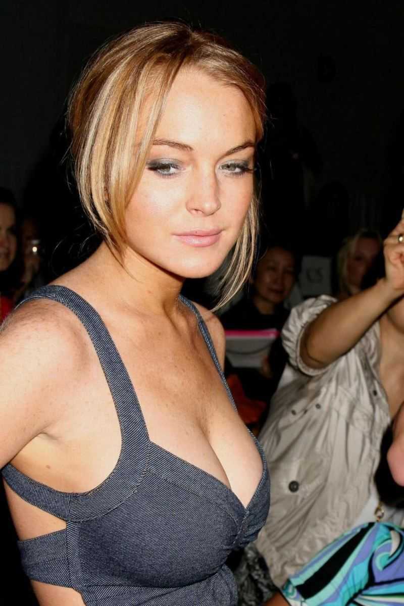 Naked Pictures Of Lindsey Lohan