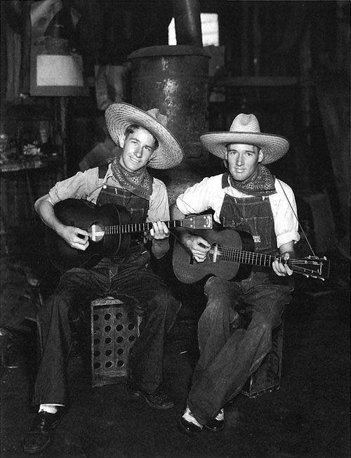 The Delmore Brothers, Alton & Rabon, early 1930's