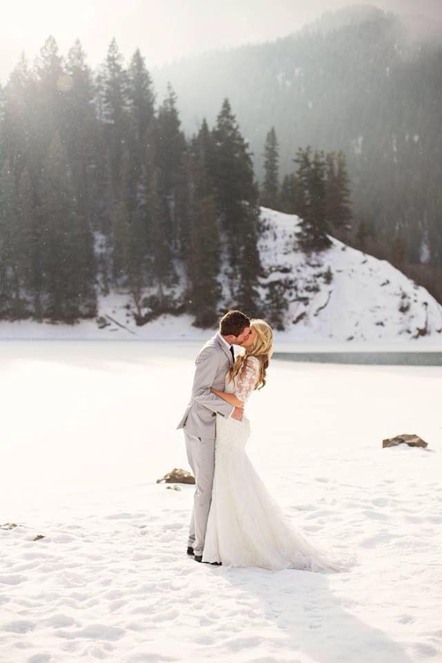 A Perfect Winter Wedding If Its Snowing At My I Want Something Like This Done