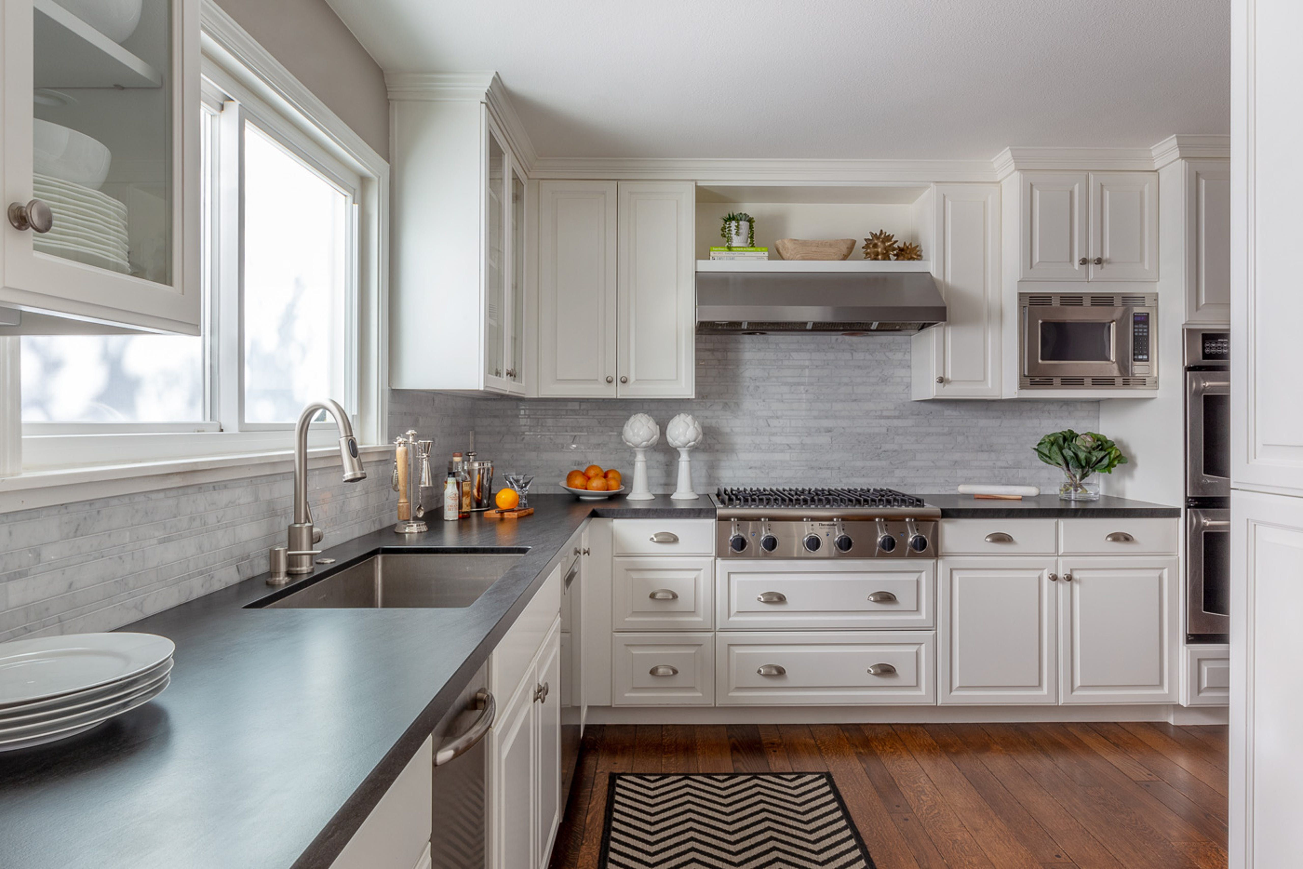 Wood Floors Are A Classic Element In Traditional Country Kitchens