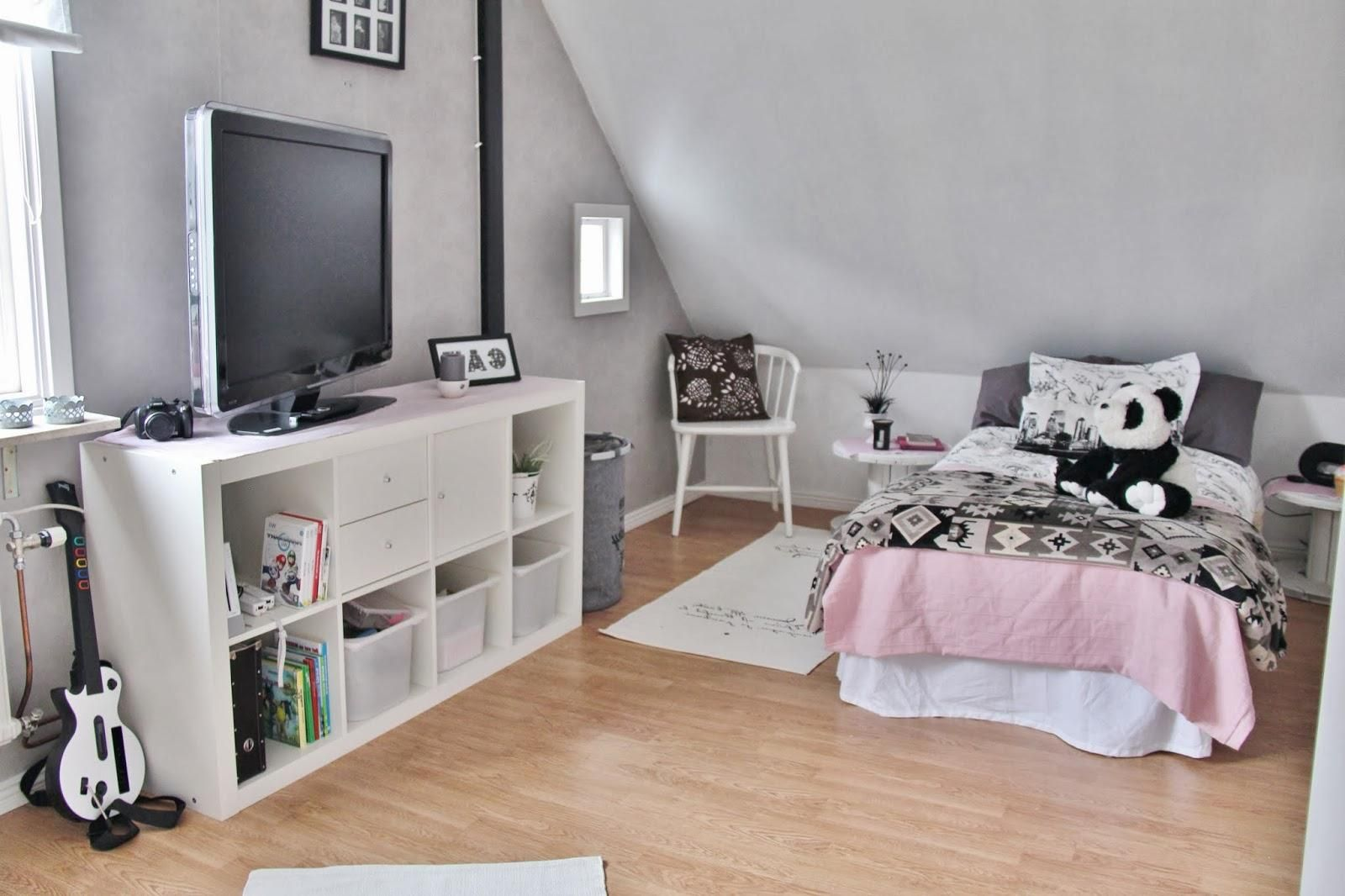 exciting teen girl bedroom green | Exciting Attic Teenage Girl Bedroom Design With Tv Setup ...