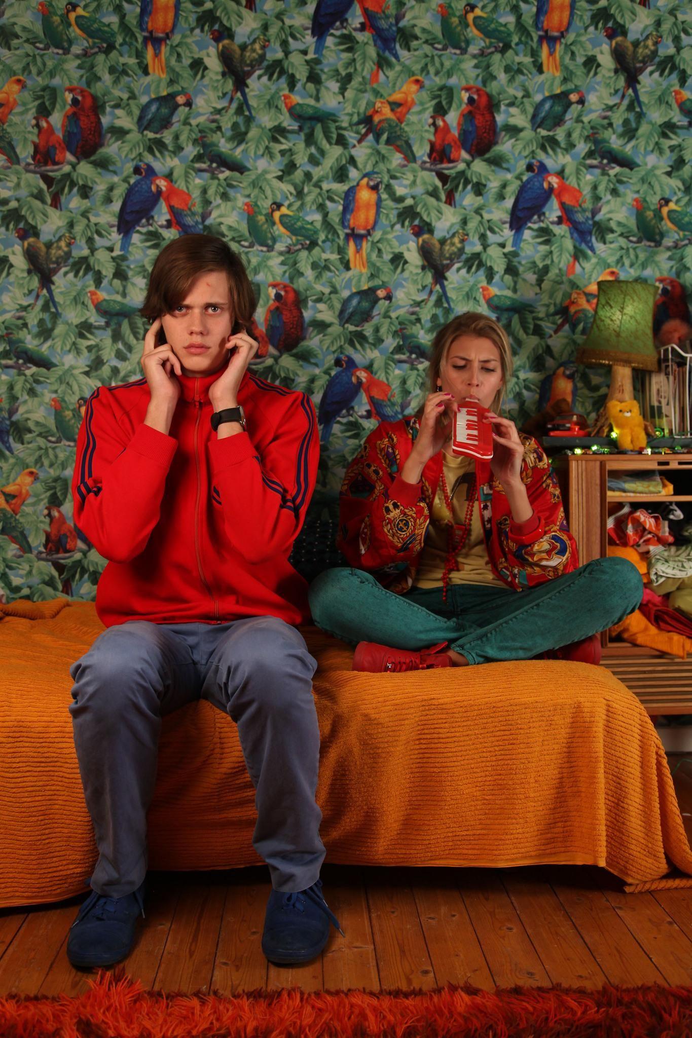 Still of Bill Skarsgård and Cecilia Forss in I rymden finns inga känslor (2010) http://www.movpins.com/dHQxNjg2MzEz/i-rymden-finns-inga-k/still-2561849600