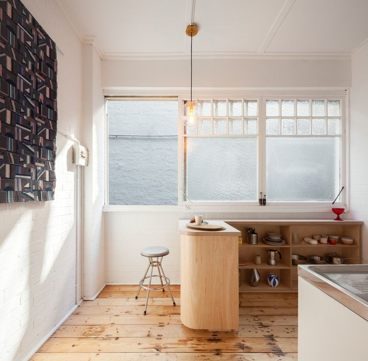 Small And Sculpted Studio Apartment / Catseye Bay Design