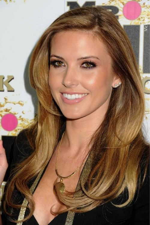 Audrina Patridge S Red Carpet Radiance Comes From Strategically Applied Veil Illuminating Complexion Fix Beauty Hair Makeup Hair Beauty Good Hair Day
