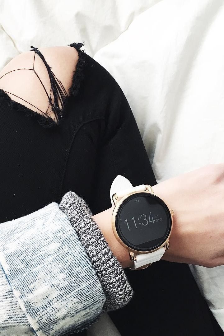 A rose gold smartwatch we can get behind, the Q Wander. via   saraholfelt 0198782b72