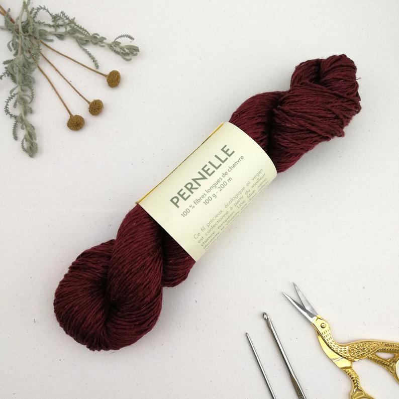 Hemp Yarn in Burgundy - Naturally Dyed with vegan dyes - Natissea Pernelle