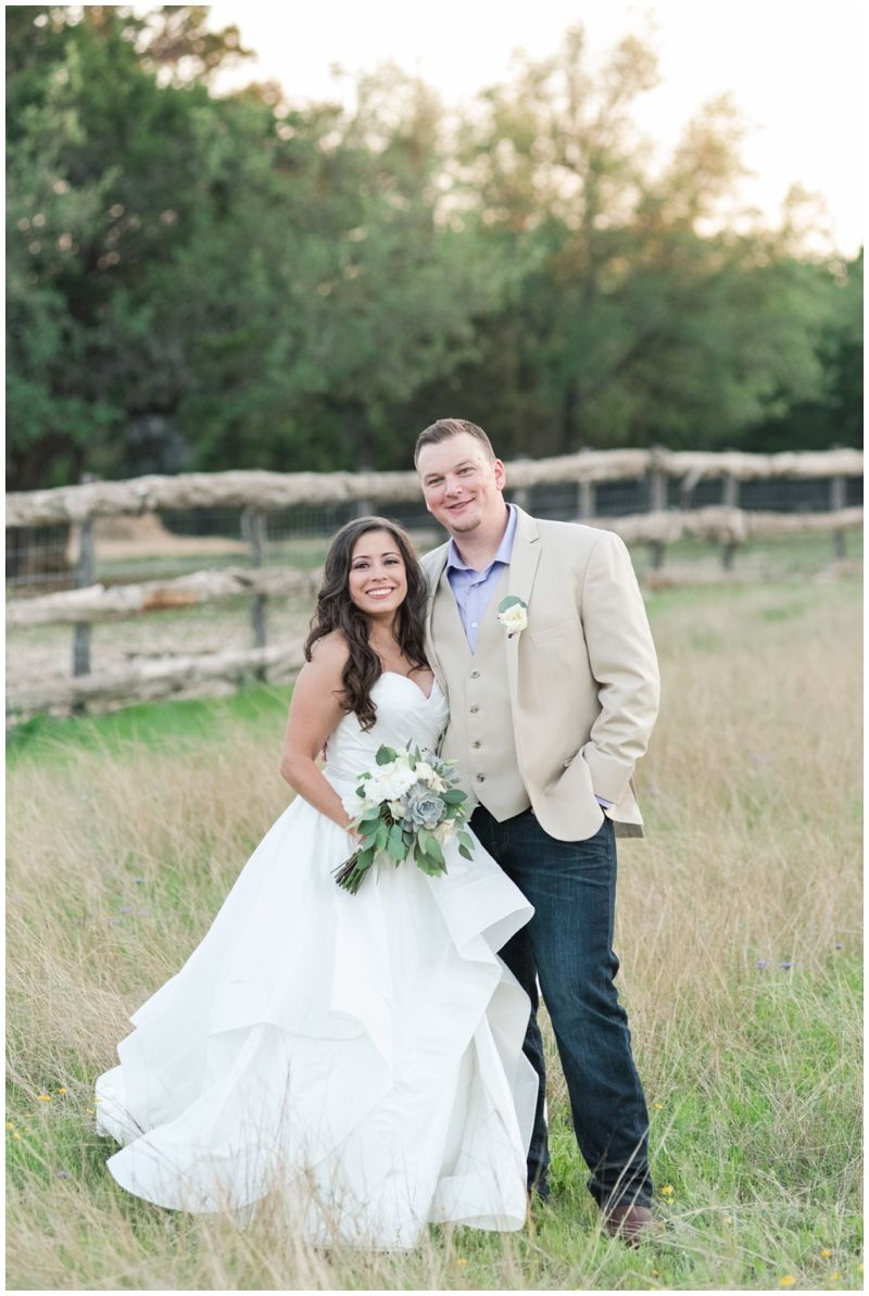 Husband And Wife Wedding Photography Team For Twisted Ranch Weddings Lavender In Bertram