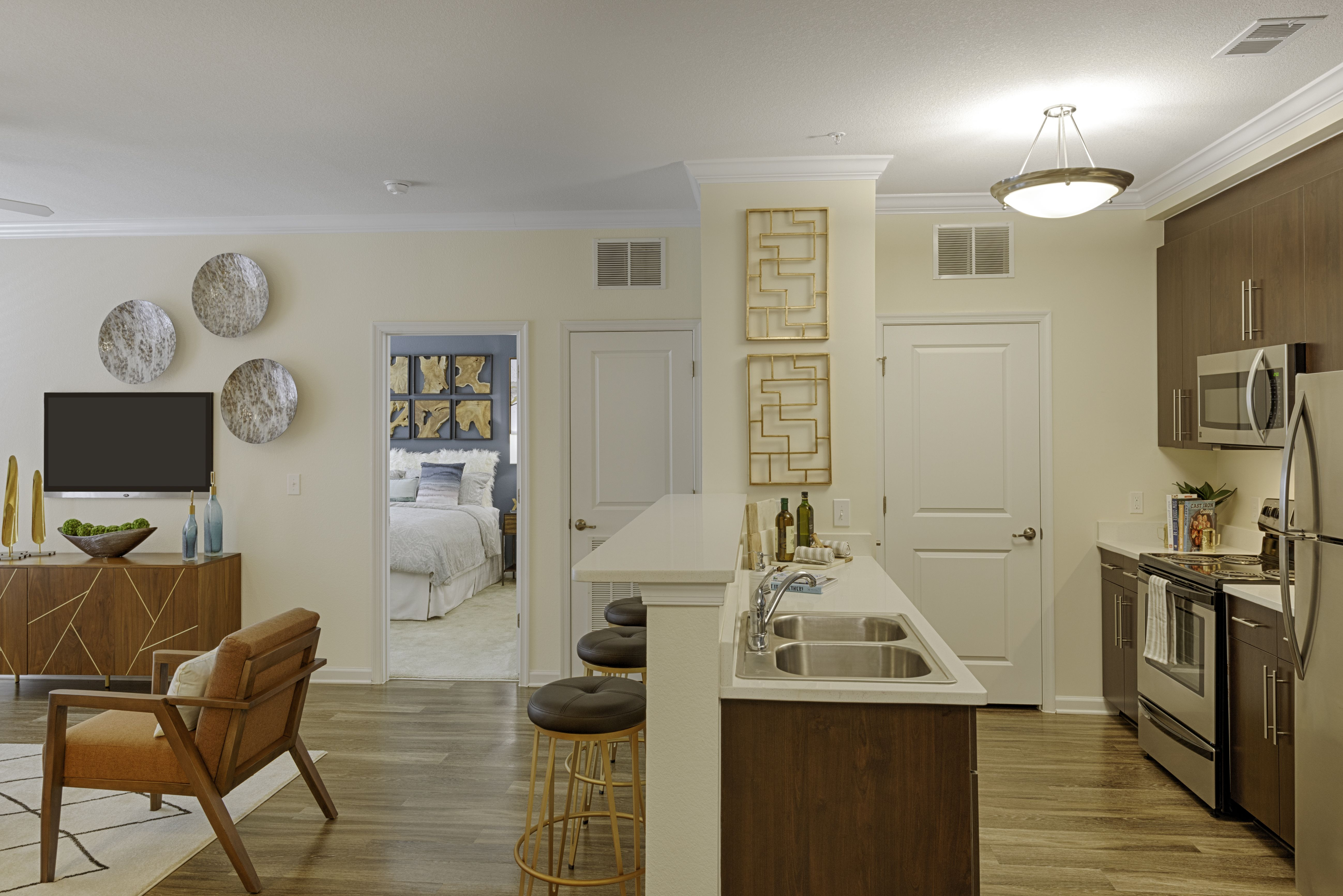 877 635 0184 1 3 Bedroom 1 2 Bath The Carlton At Greenbrier Apartments 1501 Carlton Drive Chesapeake Va 23320 Apartments For Rent Apartment Home