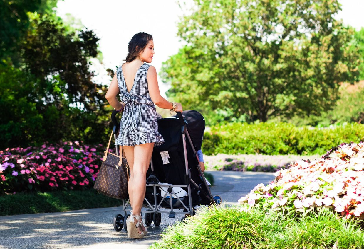 Evenflo Stroller Minno Casual chic spring, Stylish mom