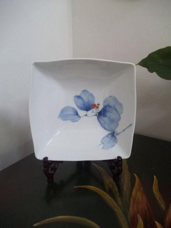 """KORANSHA KAKUHACHI BOWL Large Square Serving Bowl """"Sankirai"""" 山帰来 Smilax Rhizome Fine Porcelain Dish Arita, Japan 1900's (Guam/U.S.A.)"""